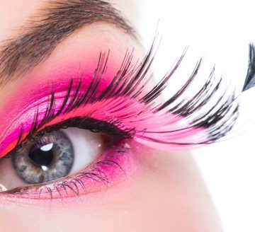 Eye with feather false eyelashes